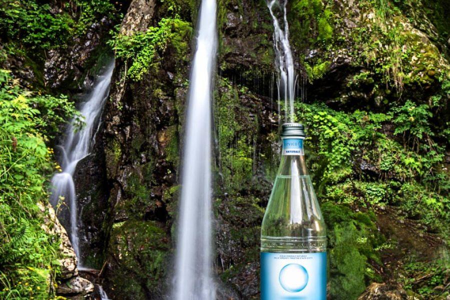 Le etichette manifesto di Acqua Levico in finale al Global Water Drink Award